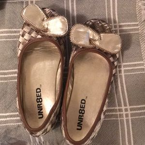 Girls Brown and Gold Flats Size 1